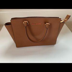 Michael Kors Selma handbag in cognac